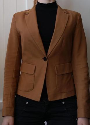Женский коричневый пиджак reserved