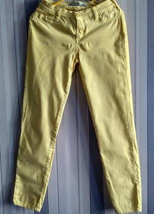 Продам желтые джинсы от gloria jeans