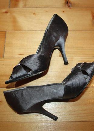 Новые туфли размер 37 длина по стельке 24