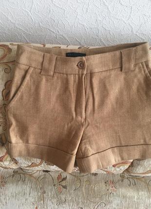 Короткие теплые шорты