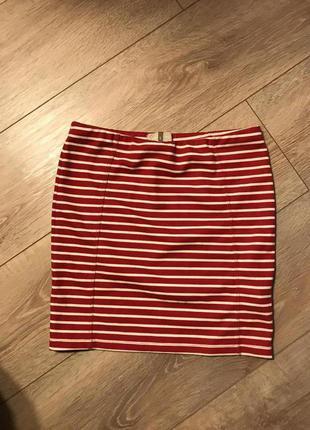 Красная обтягивающая юбка stradivarius