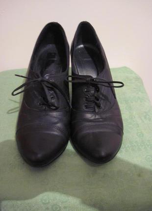 Чорні шкіряні босоніжки туфлі на низькому каблуку Davos Gomma b0798ce09dcde