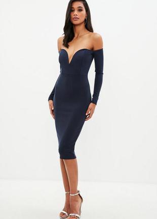 Синее миди платье с открытыми плечами