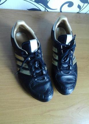 Оригинальные мужские кроссовки из натуральной кожи