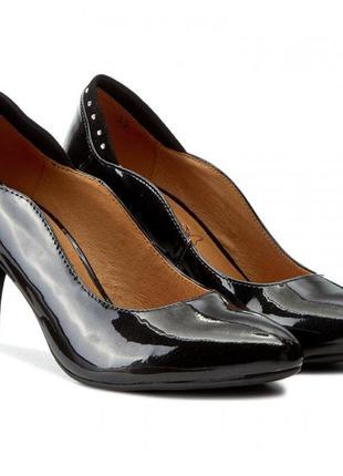 Туфли из натуральной кожи немецкого бренда caprice черные, р. 38