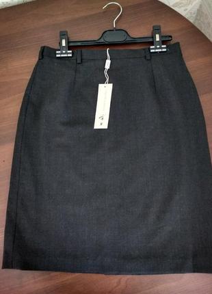 Практичная юбка для офиса и учебы