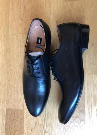 Мужские кожаные очень стильные туфли