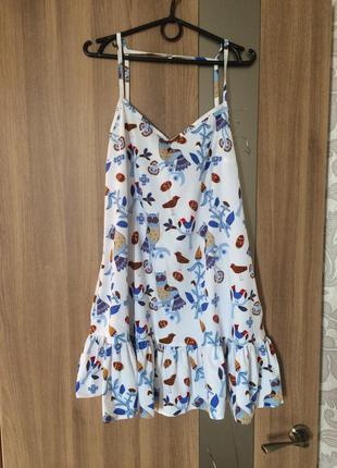 Платье на бретелях лёгкое и воздушное