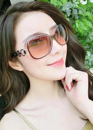 Отличные женские солнцезащитные очки в стиле ретро