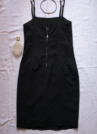 Маленькое черное короткое платье, вечернее платье
