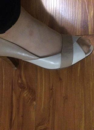 Кожанные туфли фирмы respect