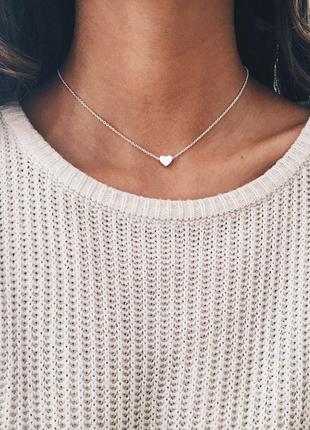 Чокер цепочка с подвеской сердечко серебристого цвета