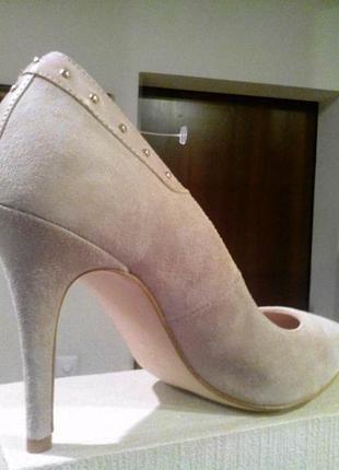 09b89bea7 Классические туфли berloni для активных деловых женщин Berloni, цена ...