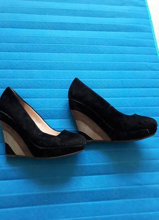 Замшевые туфли на платформе centro
