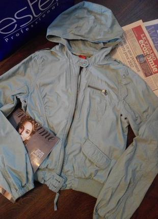 Куртка-бомбер с капюшоном без подкладки