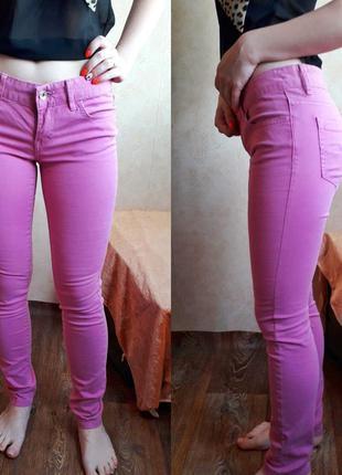 Розовые джинсы colin's