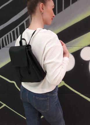 Маленький женский рюкзак черный эко кожа вместительный3 фото