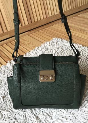 Маленькая зелёная сумочка через плечо mango touch