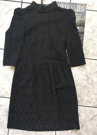 Лаконичное черное платье olko