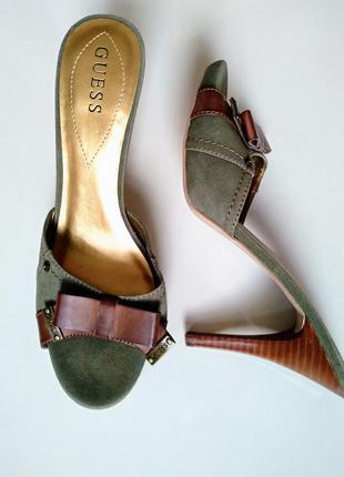 Шлепанцы на высоком каблуке в стиле милитари guess размер 40, 26 см