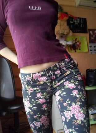 Милые джинсы в цветочек от teranova