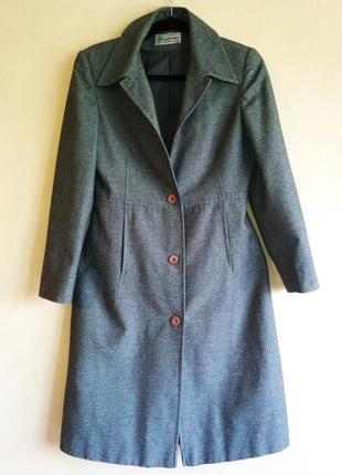 Стильное пальто androse