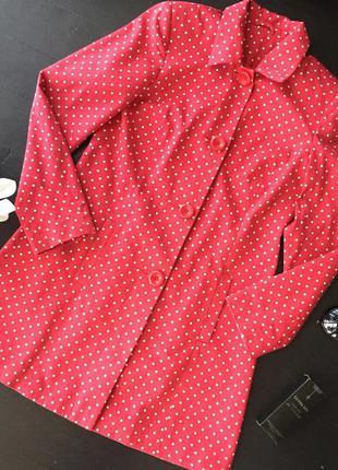 Красный плащ в горошек new look