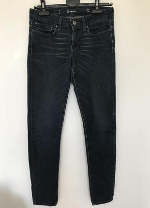 Темно-синие джинсы levis