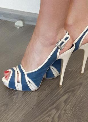Стильные, очень элегантные босоножки на высоком каблуке mario muzi