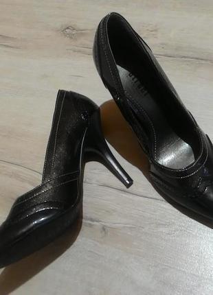 Cтильные туфельки  от street 38р  (24,5см)