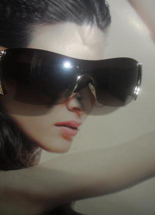 Крутые стильные очки. привезены из италии. очки в камнях . крутые. шикарные очки