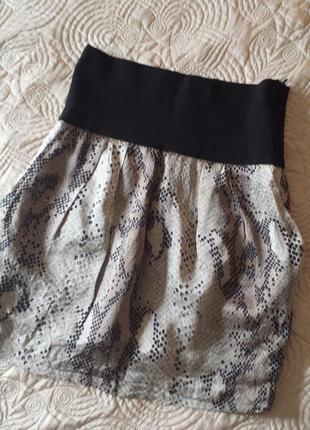 Легкая юбка на подкладке от zara