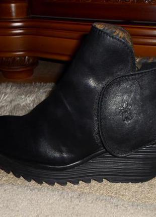 Эксклюзив.бомбезные удобные мягкие бренд.ботинки fly london,кожа,португалия