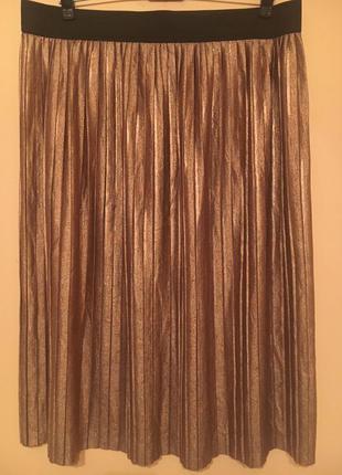Эффектная юбка плиссе из трикотажа.
