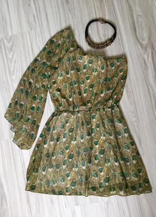 Оригінальна платячко з оголеним плечем