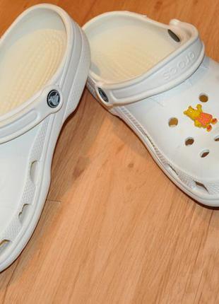Продам кроксы (crocs)