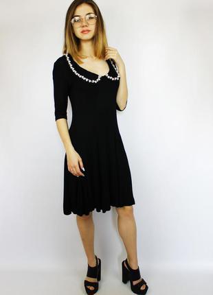 Черное шикарное элегантное миди-платье от asos с бусами