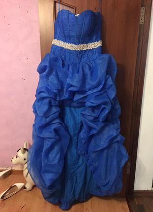 175a5d07338 Выпускное платье пышное спереди короткое сзади шлейф