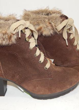 Оригинальные демисезонные ботинки jana