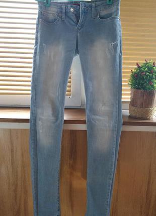 Светлые джинсы3