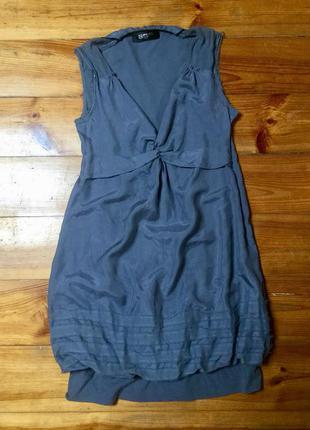 Платье шелковое.