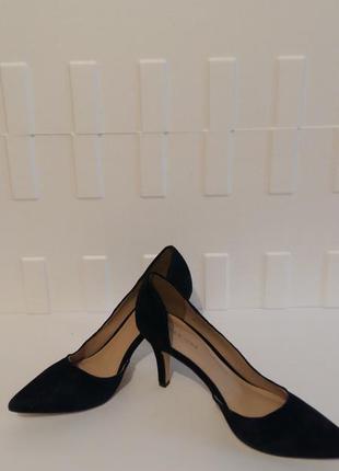 Новые замшевые туфли pier one