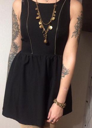 Чёрное милое платьице
