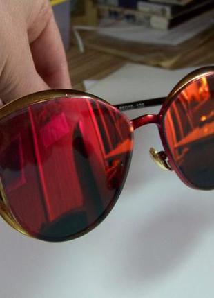 Солнцезащитные очки с оправой метал под золото и красным зеркалом