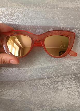 Новые стильные очки лисички