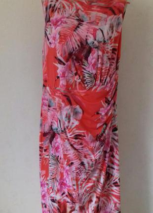 Новое очень красивое платье с принтом большого размера