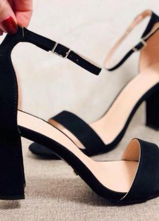 Летние сандалии — модные тенденции 2019