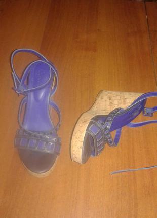 Босоножки /сандали кожаные/босоножки на  танкетке