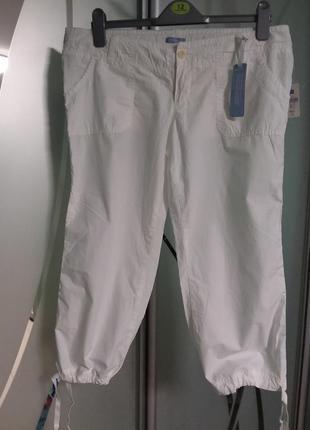Легкие натуральные белые бриджи (шорты до колен)