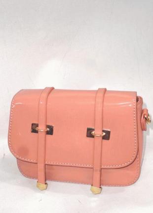 Стильная лаковая сумочка